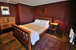 Red Bedroom, Homestead, Wings